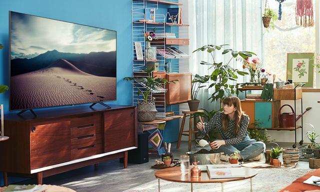 Taniej nawet o 400 złotych! Zniżka na telewizory z tegorocznej serii Samsung Crystal UHD