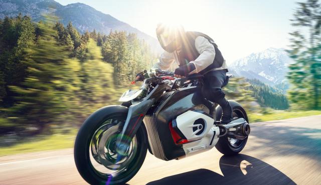 Motocykl BMW jest pierwszym takim napędzanym na prąd (Źródło: press,bmw.com)