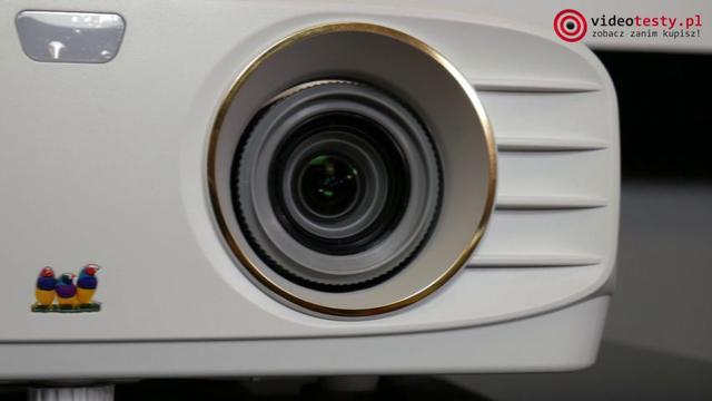 ViewSonic PX-727-4K z bliska