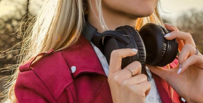 Jedne z tańszych słuchawek z redukcją szumów w Biedronce?