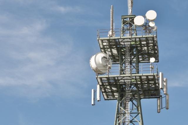Anteny sieci 5G mogą powstawać w Polsce nieco wolniej