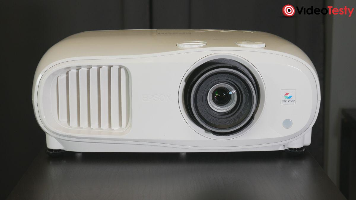 Epson EH-TW7000 od przodu