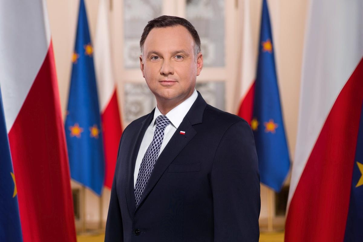 Prezydent podpisał Kartę Wolności w Sieci (fot. Jakub Szymczuk/KPRP)