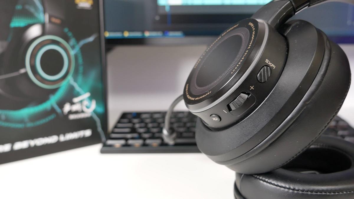 Creative SXFI Gamer przyciski na słuchawkach