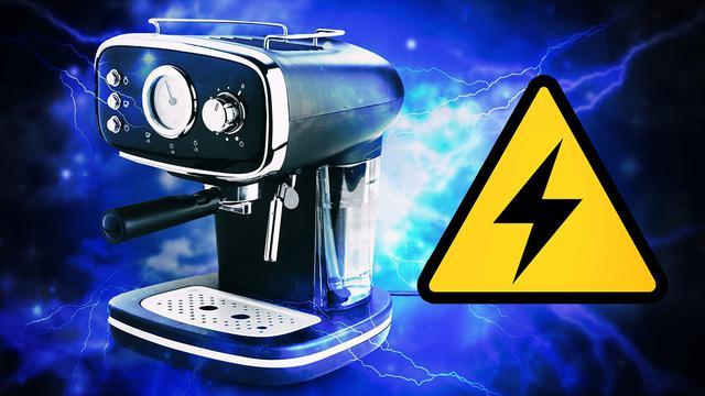 Ekspres do kawy wycofany z Lidla - Może porazić Cię prądem!