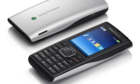 Sony Ericsson Xperia X8, Yendo oraz Cedar - nowe telefony