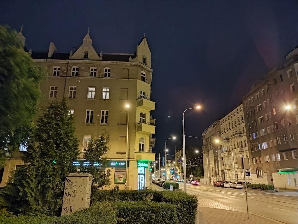 Tryb nocny w Redmi Note 10 Pro