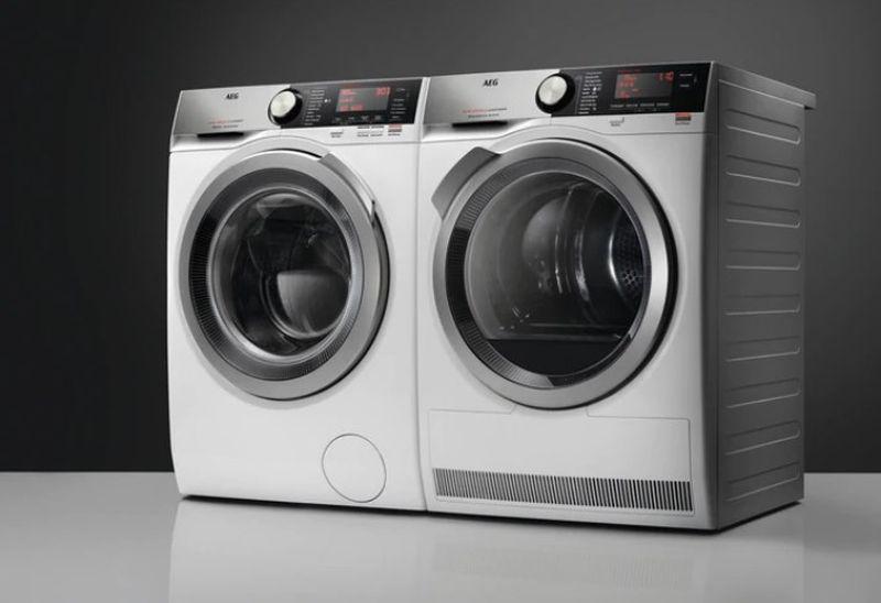 dwie pralki AEG L8FEC68SP
