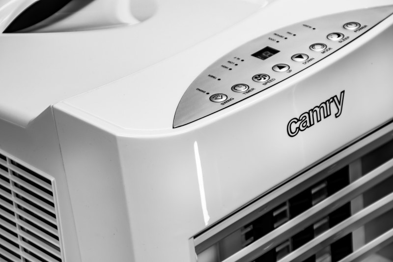 Klimatyzator przenośny wyposażony jest w różne tryby prędkości nawiewu