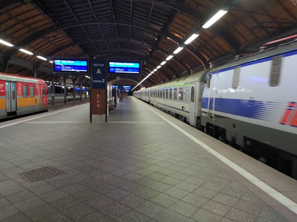 Zdjęcie dworca kolejowego - Asus ROG Phone II