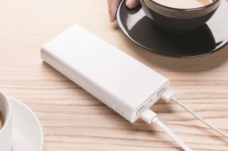 Xiaomi Powerbank 20kmAh naładuje dwa sprzęty jednocześnie