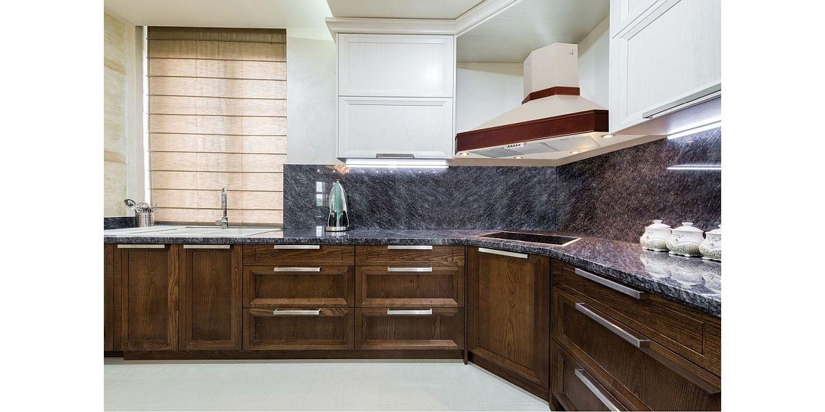 okap rustykalny w kuchni