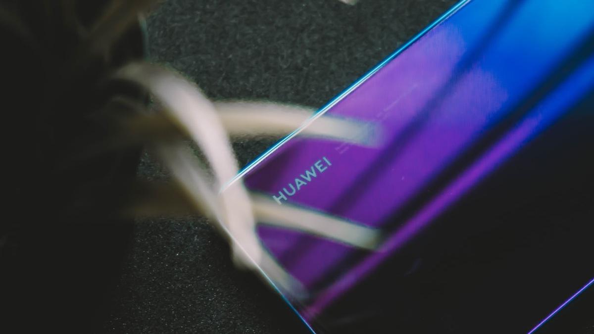 Logo Huawei może nie zagościć na telefonach sprzedawanych w Stanach Zjednoczonych