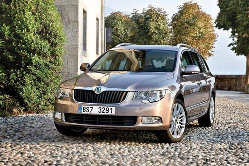 Skoda Superb Kombi 2,0TDI CR DPF (170KM) A6 DSG Elegance 5d