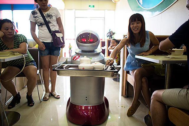 Restauracja z Robotami - Genialny Pomysł Na Biznes?