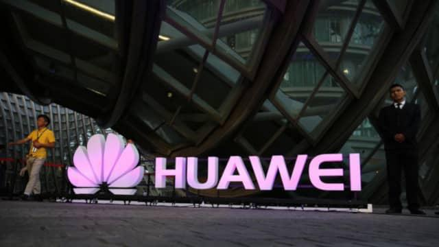 Huawei przejmuje polski rynek smartfonów.