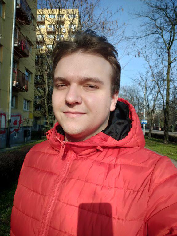 Oppo A5 2020 selfie w trybie automatycznym