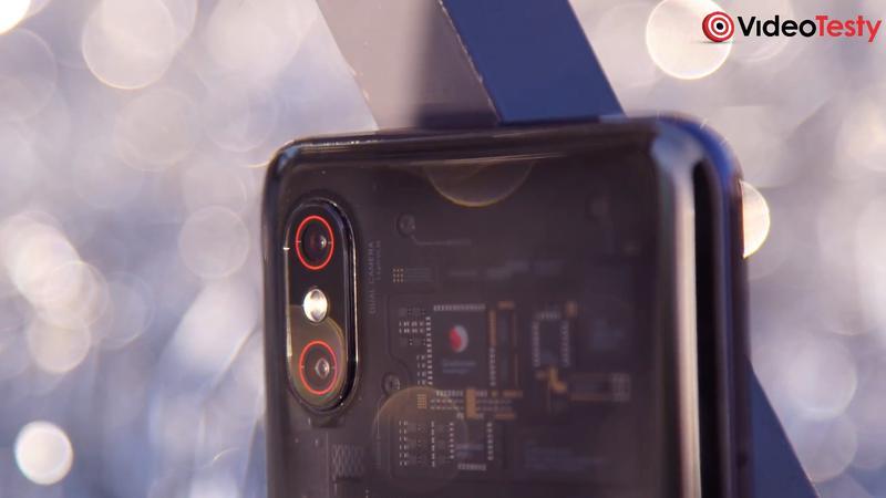 Mi 8 Pro posiada dwa aparaty
