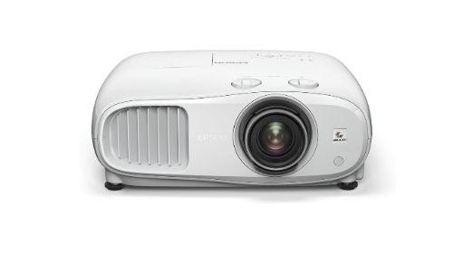 Epson EH-TW7000 na białym tle