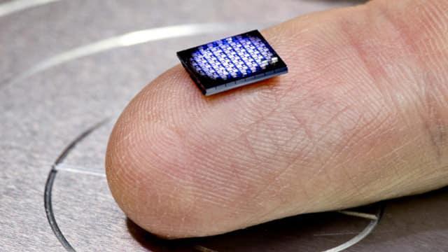 Poprzedni rekord najmniejszego komputera świata należał do IBM