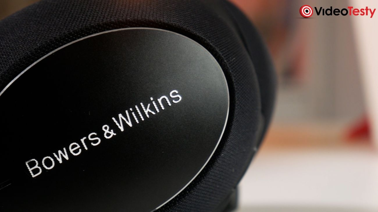 Bowers & Wilkins PX7 Carbon Edition logo na muszli