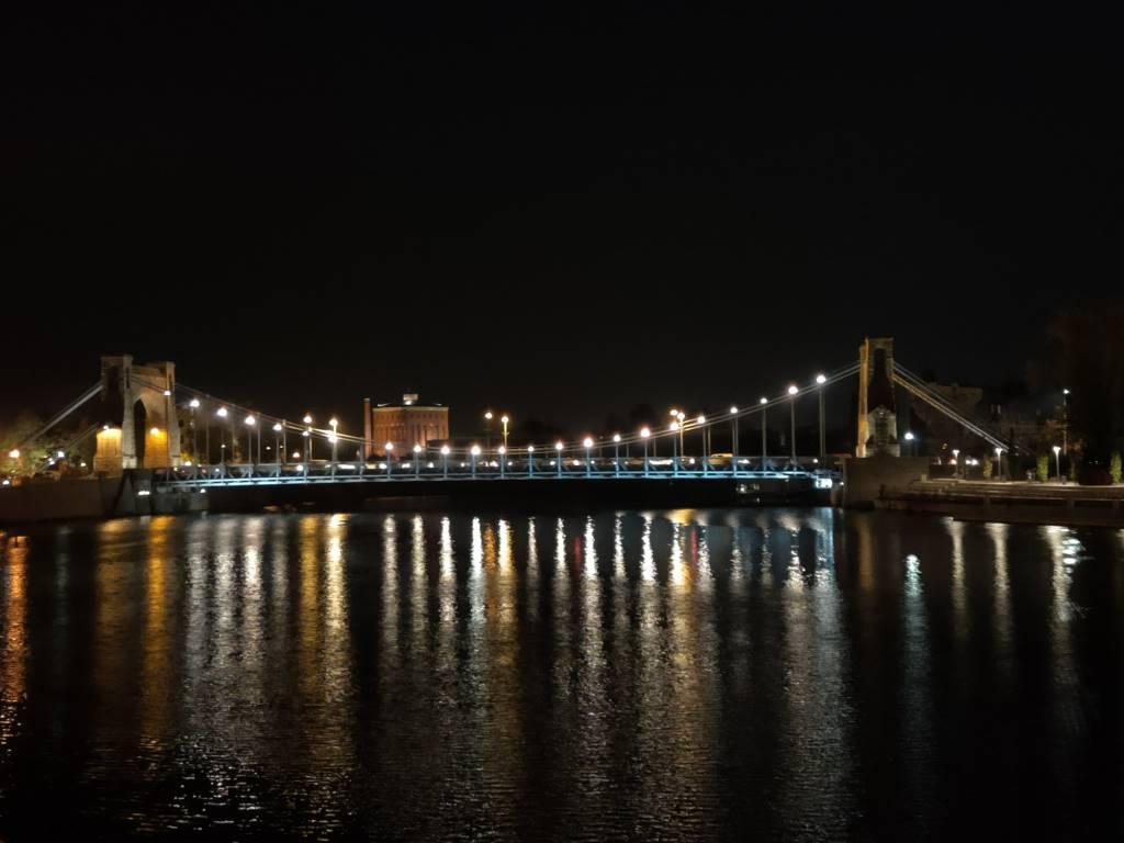 Oppo Reno 10x Zoom - zdjęcie mostu w trybie auto z 2x zoomem