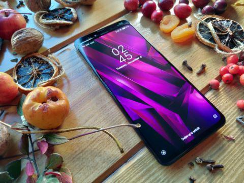 Xiaomi Mi Mix 3 przyciąga nie tylko wizualnie