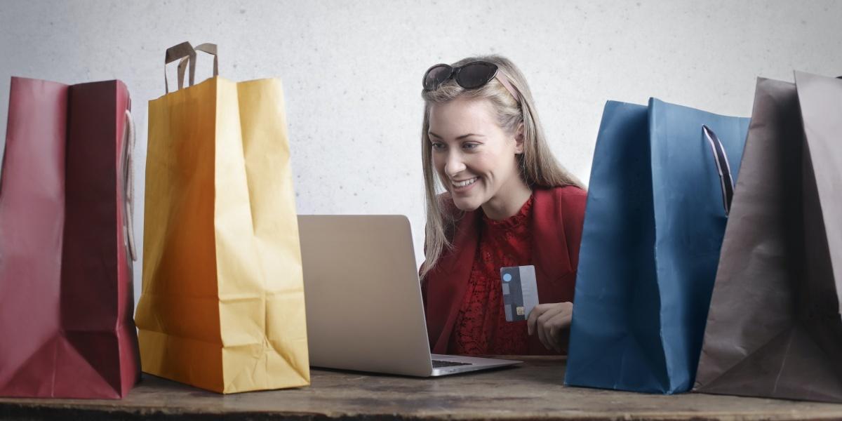 Zakupy online są coraz popularniejsze, nie tylko przez pandemię