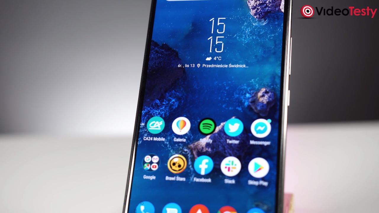 Ekran ROG PHONE II jest wielki - tak wielki, że nie zmieścił się w kadrze