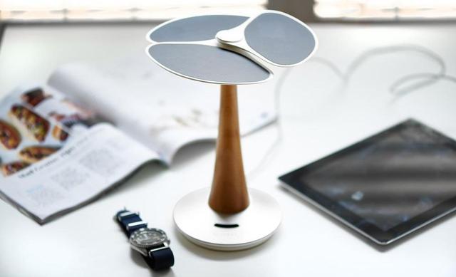 Solarne Drzewko, Które Ładuje iPhone'a