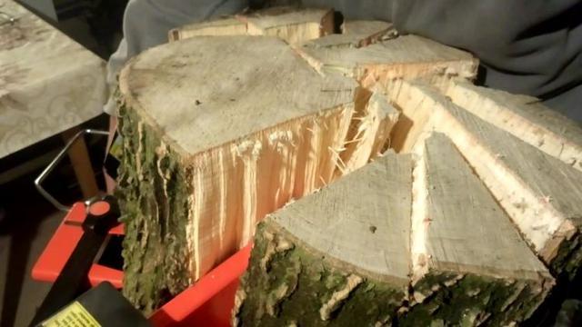 rozłupane drewno z Hecht 6061