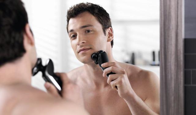 golenie się elektryczną golarką