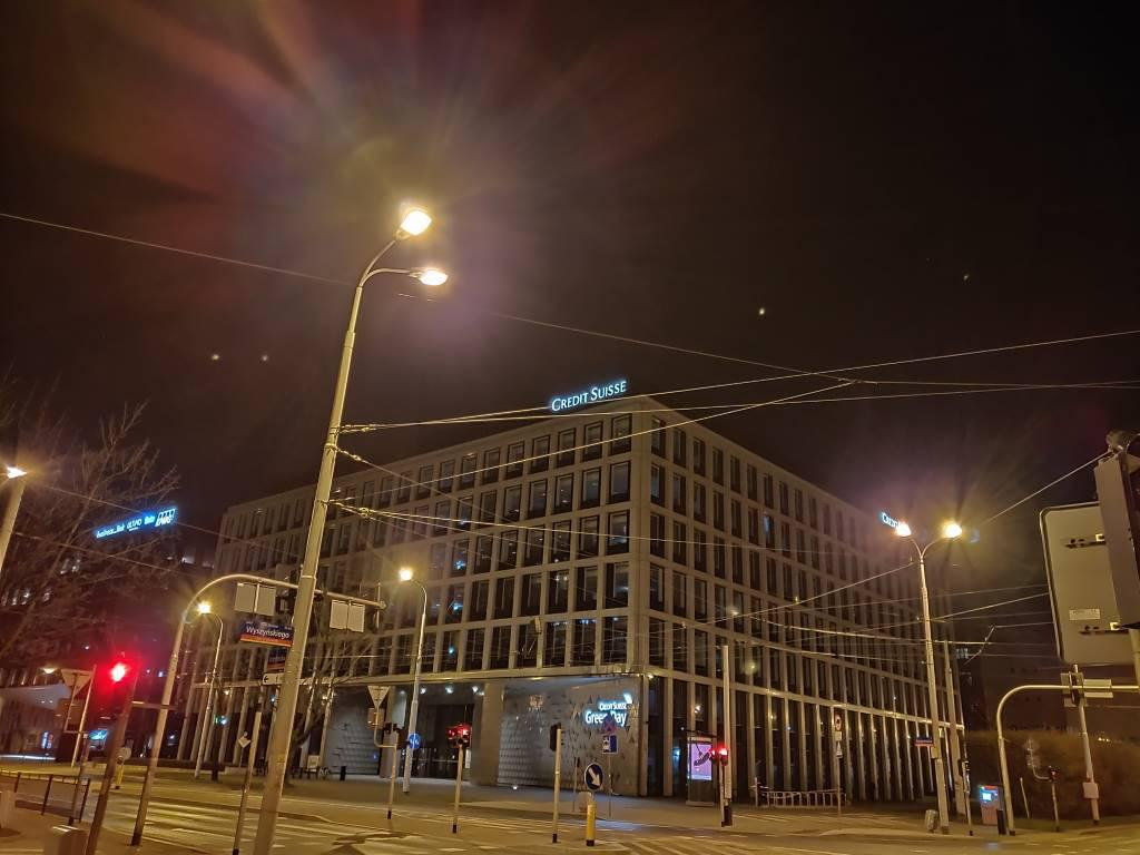 Zdjęcie nocne zrobione w trybie nocnym