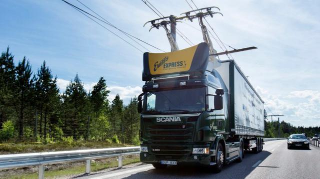Elektroniczna autostrada napędzi przede wszystkim ciężarówki