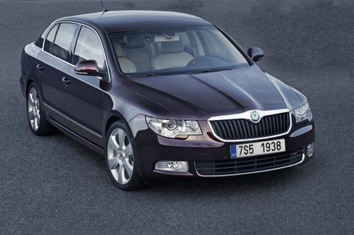 Skoda Superb Hatchback 2,0TDI DPF (140KM) A6 DSG Platinum 5d