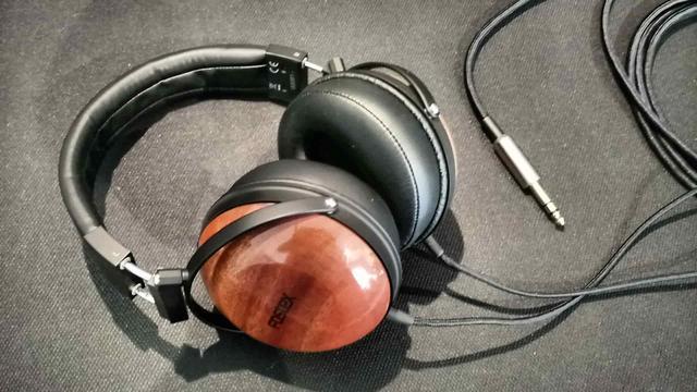 """Studyjne słuchawki """"RP"""" z afrykańskiego mahoniu!"""