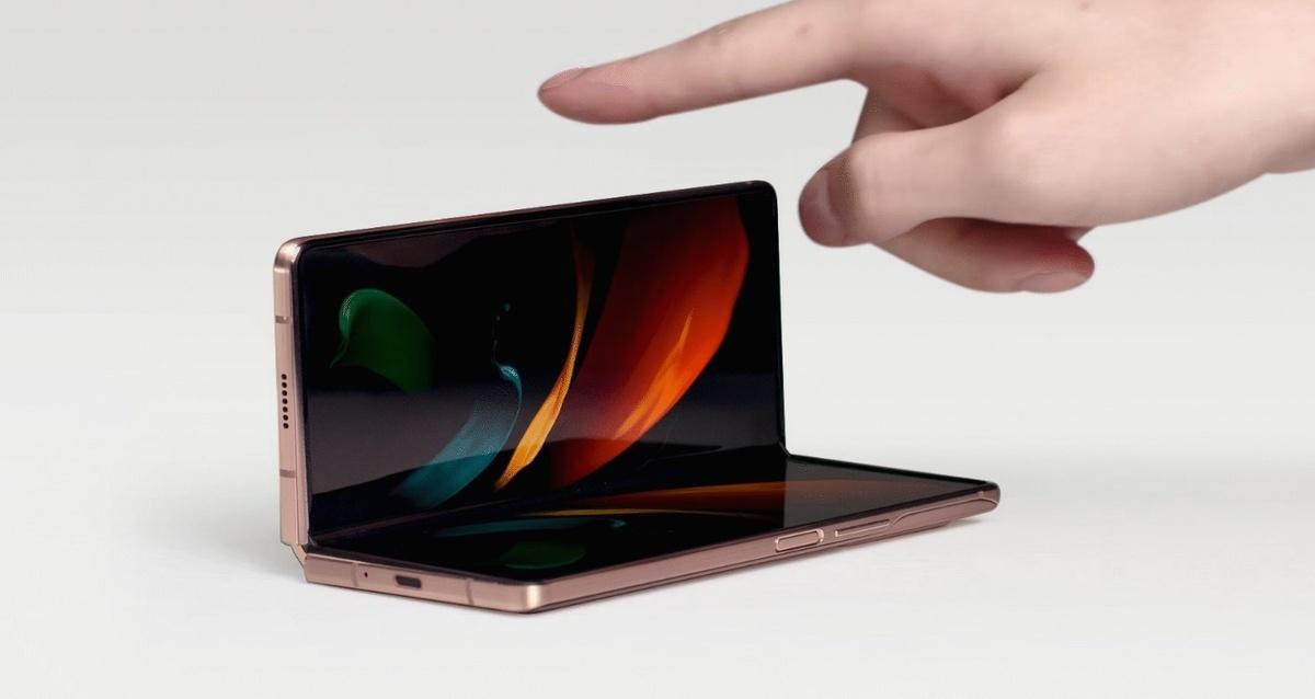 Galaxy Z Fold2 oferuje ekran rozkładany niczym laptop