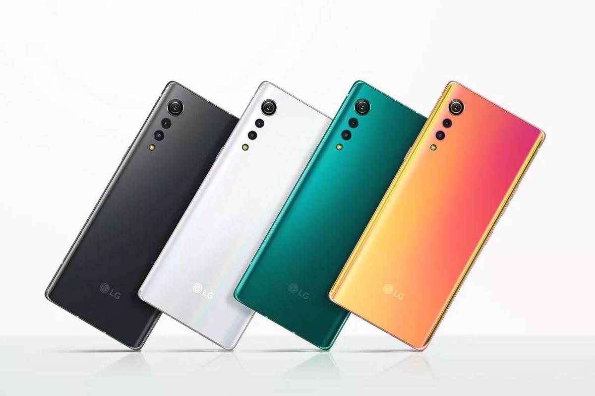 Telefon dostępny jest w czterech wariantach kolorystycznych.