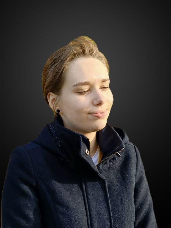 Efekt światła scenicznego nałożony na twarz z boku