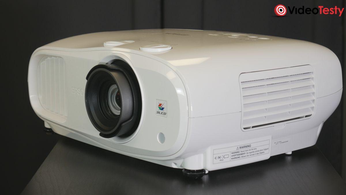 Epson EH-TW7000 od boku