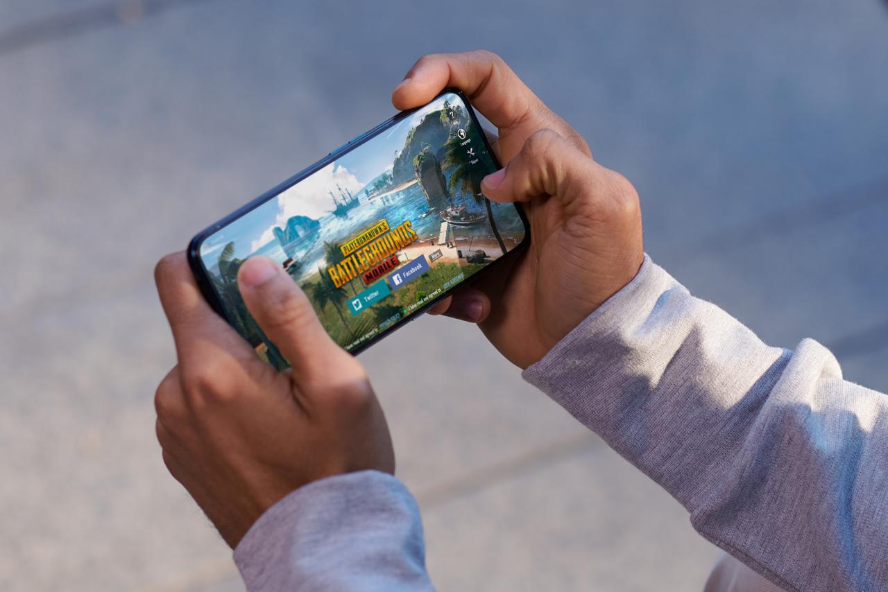 Reno2 to smartfon z procesorem dla graczy