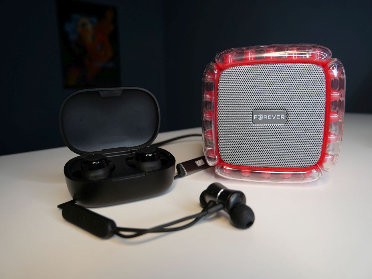 niedrogi zestaw mobilnego sprzętu audio firmy Forever