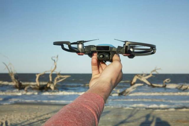DJI Spark - Najmniejszy Dron do Selfie Sterowany Gestami