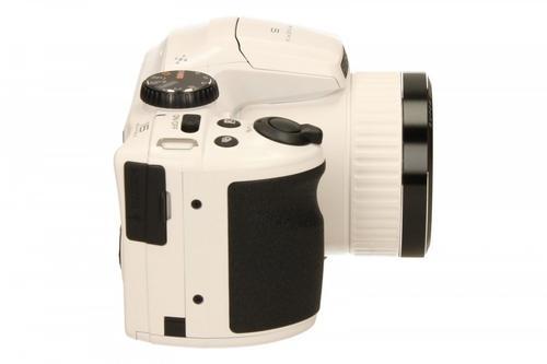 FujiFilm S4800 white