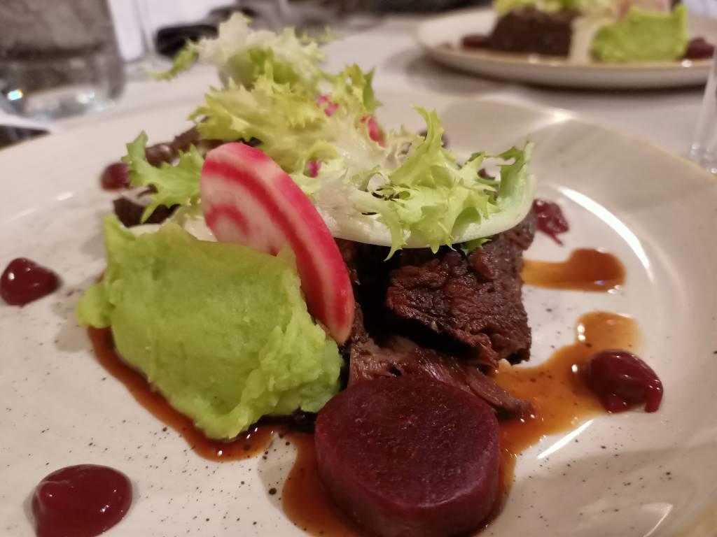 Oppo Reno Z - zdjęcie jedzenia z AI plus olśniewającym kolorem