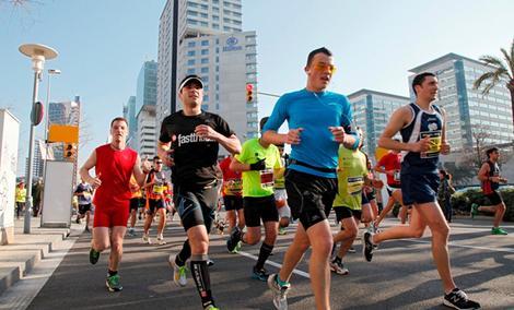 10 Rzeczy Do Kupienia Podczas Przygotowywania Się Do Maratonu