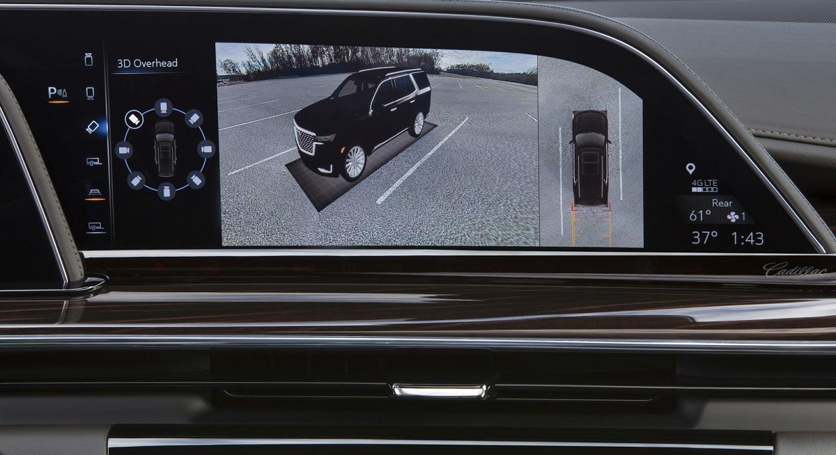 OLED w kokpicie Cadillaca Escalade 2021