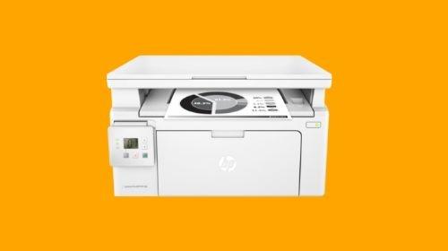 HP M130a LaserJet PRO na pomarańczowym tle