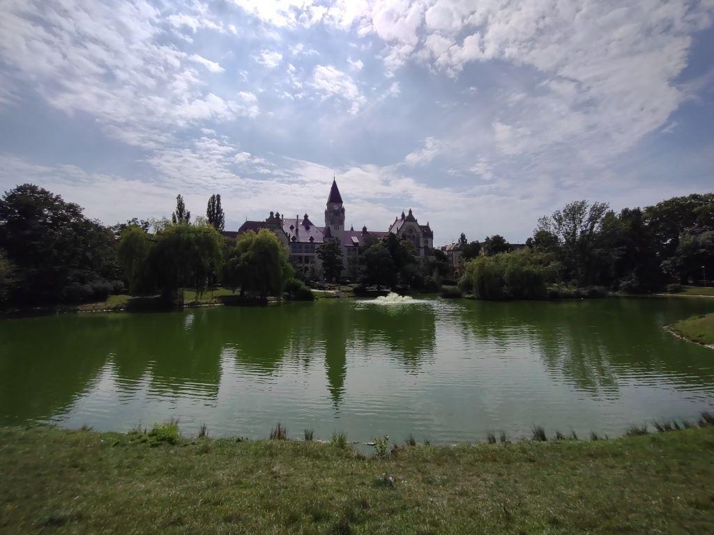 Moto G 5G Plus - ultraszeroki kąt w parku Tołpy