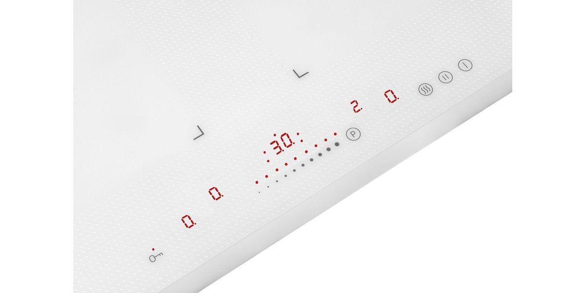elementy sterujące białej płyty indukcyjnej Amica